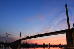 Rama IX桥梁在早晨前在曼谷 图库摄影