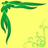 Rama jaskrawy - zieleń opuszcza i fryzuje na żółtym tle, Fotografia Stock