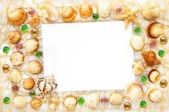 Rama od różnych morze skorup i szklanych koralików Zdjęcia Royalty Free