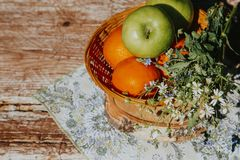 Rama organicznie produkty Odbitkowa pasta, kopii przestrzeń Wie?niaka styl zdjęcia stock