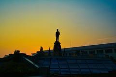 Rama8park av bangkok twiligt Royaltyfria Bilder
