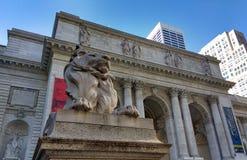 Rama principal de la biblioteca pública de Nueva York, Stephen A Edificio de Schwarzman, biblioteca Lion Patience, New York City, Fotografía de archivo