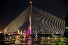 Rama VIII桥梁在晚上 图库摄影