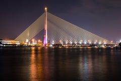 Rama VIII γέφυρα τη νύχτα Στοκ Εικόνα