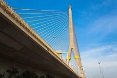 Rama VIII Brücke in Bangkok lizenzfreies stockfoto