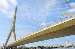 Rama VIII bro i Bangkok. Royaltyfri Bild