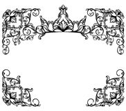 Rama z królewską koroną wśród kwiecistego motywu wektorowego projekta Zdjęcie Royalty Free