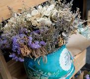 Ramalhete abstrato de flores secadas, foco do borrão Foto de Stock