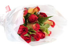 Ramalhete amarelo e vermelho das rosas foto de stock