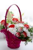 Ramalhete bonito das rosas vermelhas do lírio e do crisântemo Fotografia de Stock