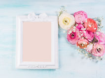 Ramalhete bonito do quadro da flor na turquesa Fotografia de Stock