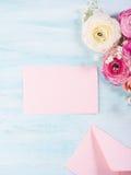 Ramalhete bonito do quadro da flor na turquesa Foto de Stock