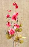 Ramalhete com as flores artificiais cor-de-rosa Imagem de Stock