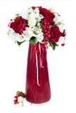 Ramalhete da flor no vaso vermelho Fotos de Stock Royalty Free