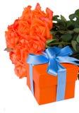 Ramalhete da laranja com caixa de presente imagem de stock