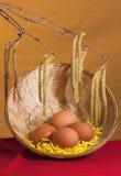 Ramalhete da mola da Páscoa com ovos Fotos de Stock Royalty Free