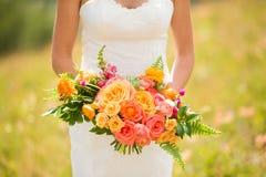 Ramalhete da terra arrendada da noiva das flores Fotos de Stock