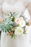 Ramalhete das flores da mola casamento fotografia de stock