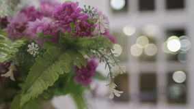 Ramalhete das flores no restaurante Fotos de Stock