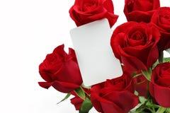 Ramalhete das rosas com vale-oferta vazio Fotos de Stock