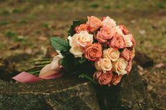 Ramalhete das rosas do casamento da mola Foto de Stock