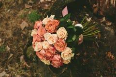 Ramalhete das rosas do casamento da mola Fotografia de Stock