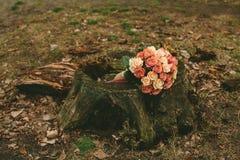 Ramalhete das rosas do casamento da mola Imagem de Stock Royalty Free