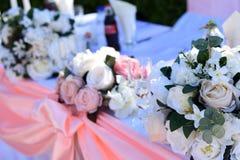 Ramalhete das rosas das flores do casamento bonito fotos de stock royalty free