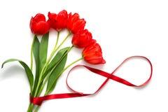 Ramalhete das tulipas com fita do cetim Fotos de Stock