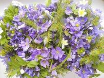 Ramalhete de flores azuis e brancas da anêmona Fotos de Stock Royalty Free
