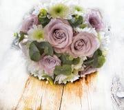 Ramalhete de flores naturais com rosas Fotos de Stock