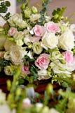 Ramalhete de Rosa no caixão Fotografia de Stock Royalty Free
