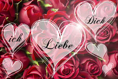 Ramalhete de Rosa um amor alemão você mensagem em corações da luz do coração carda o Valentim imagem de stock