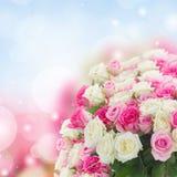 Ramalhete de rosas frescas fotos de stock