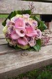 Ramalhete do casamento com rosas Fotografia de Stock Royalty Free