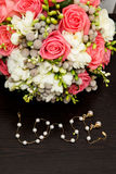 Ramalhete do casamento do vintage com a corrente do ouro arranjada Foto de Stock Royalty Free