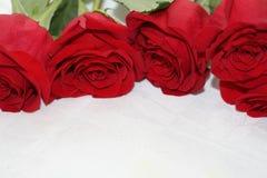 Ramalhete do escarlate das rosas Fotos de Stock