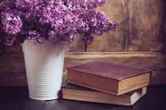 Ramalhete do vintage de flores lilás Fotografia de Stock Royalty Free