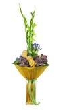 Ramalhete floral das rosas, do tipo de flor e das orquídeas isolados no branco Fotos de Stock Royalty Free