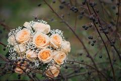 Ramalhete nupcial colorido dia do casamento, acessórios da noiva Foto de Stock