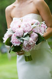 Ramalhete nupcial de flores cor-de-rosa fotografia de stock