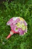 Ramalhete nupcial de várias flores Foto de Stock Royalty Free