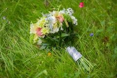 Ramalhete nupcial de várias flores Imagem de Stock