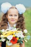 Ramalhete para o primeiro professor amado sobre primeiramente de setembro Flores para o último sino Dia do conhecimento Começo do imagens de stock royalty free