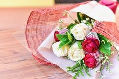 Ramalhete romântico das rosas para o dia de Valentim imagens de stock royalty free
