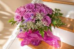 Ramalhete roxo de Rosa foto de stock royalty free