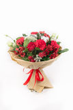 Ramalhete vermelho das rosas, algodão, alstroemeria, trachelium Foto de Stock