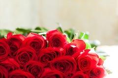 Ramalhete vermelho das rosas Flores fotografia de stock