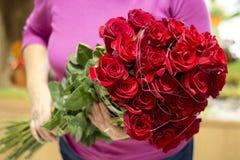 Ramalhete vermelho de Rosa foto de stock royalty free