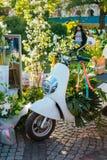 Ramalhetes bonitos no mercado da flor fotos de stock